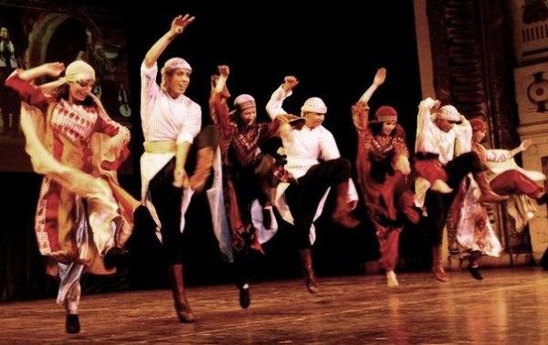 Дубайские традиционные танцы