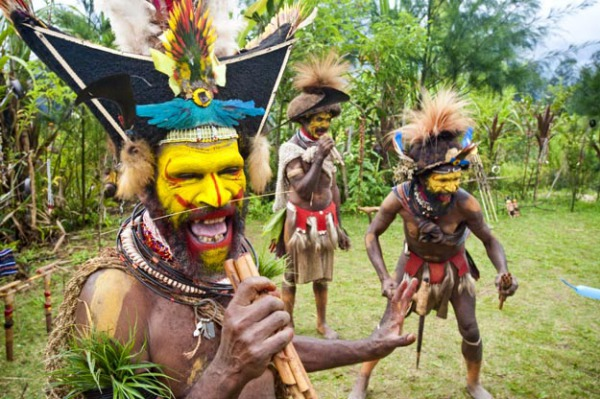 Танцы племен Новой Гвинеи