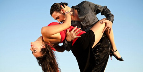 Один из любимых танцев по всему миру - сальса