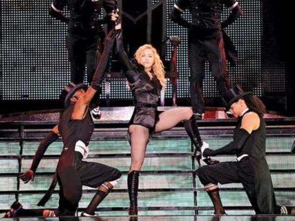 Выступление Мадонны в шоу «Sticky & Sweet», Тель-Авив, 2009