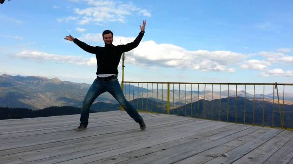Албанский танец шота