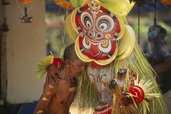 Древний танцевальный ритуал тейям