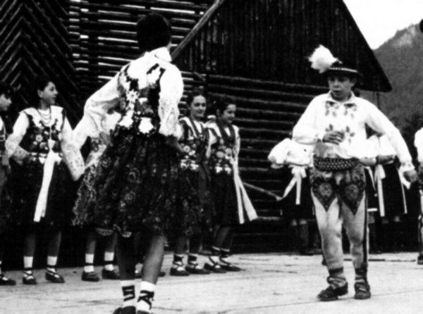Танцы горцев гурали