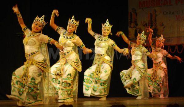 Танцы загадочной Бирмы