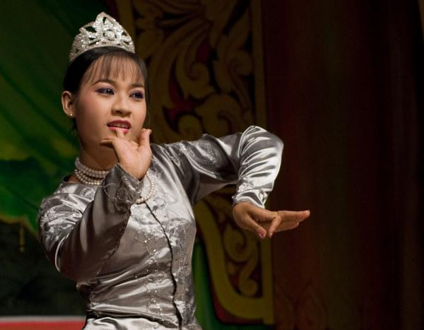 Традиционные танцы Бирмы