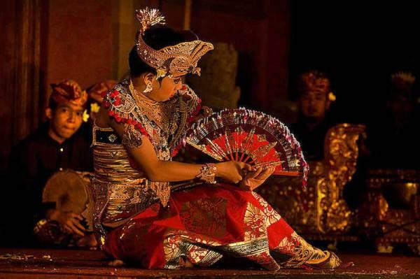 Балийский танец кебьяр