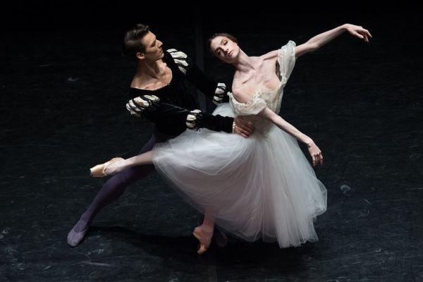 Различия между танцорами