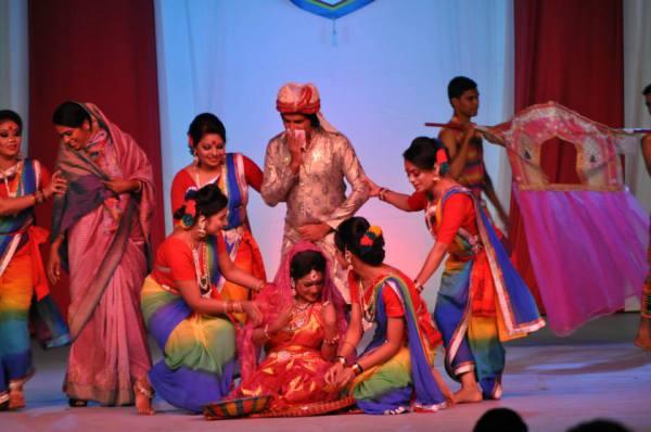 Танцы во время фестивалей в Бангладеше