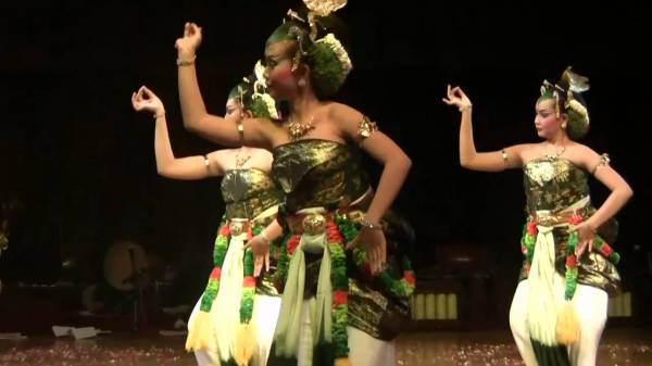 Яванские придворные танцы