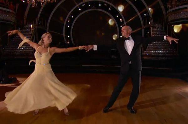 Вальс - один из самых популярных танцев в мире