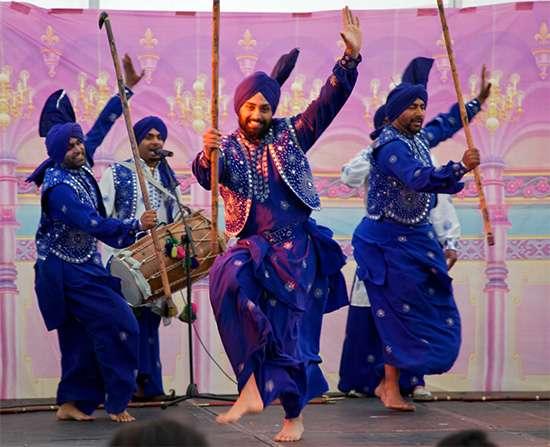 Бхангра, народный танец Пенджабского района Пакистана и Индии
