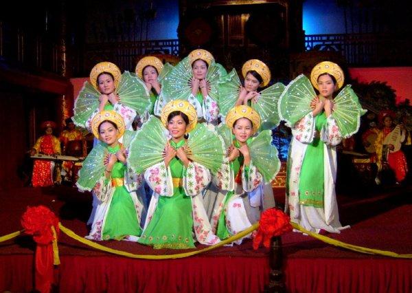 Придворные танцы Хюэ