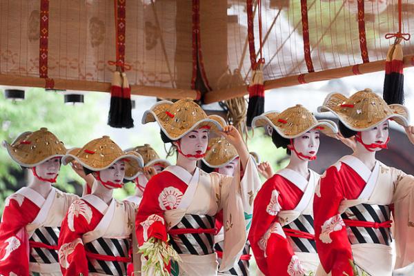 Японские фестивали уличного танца