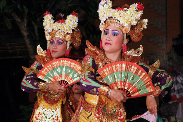 Топенг - танец в маске
