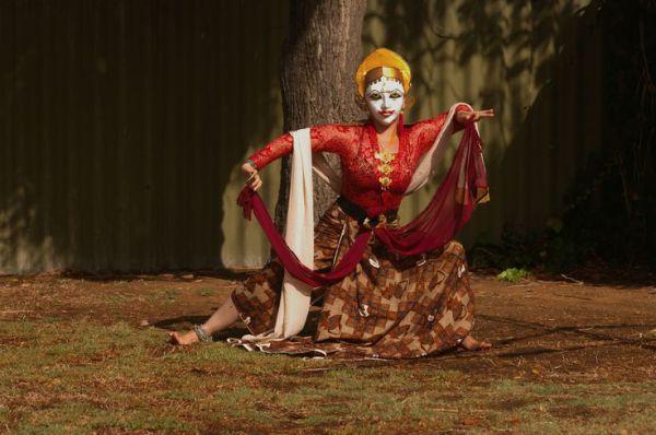Современные яванские танцы