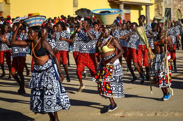 Ангольские традиционные танцы