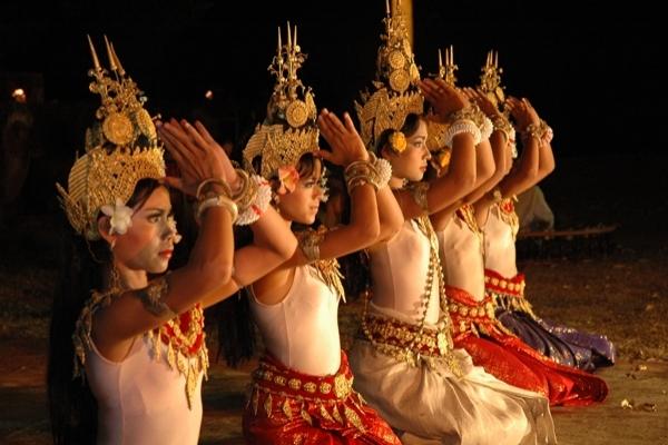 Традиционные танцы Лаоса