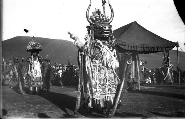 Монгольские танцы - цам