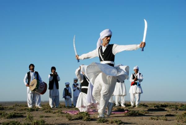 Танец с мечами в Иране