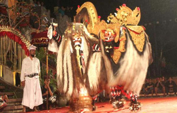 Калонаранг - танец-транс на Бали