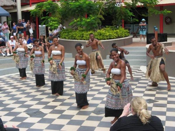 Традиционные танцы на Фиджи