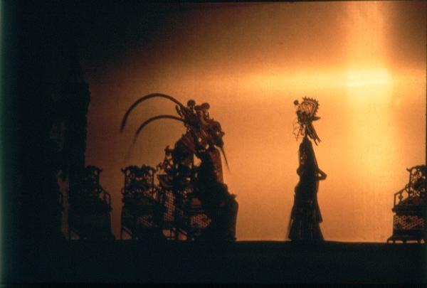 Китайский театр теней. Храбрый воин