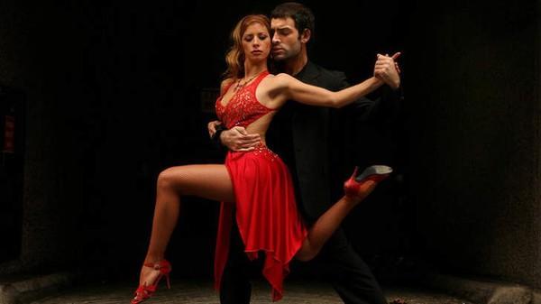 Танго - танец страсти для двоих