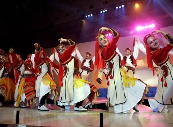 Танцы балканского полуострова
