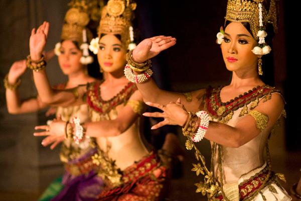 Танец кхмеров апсара