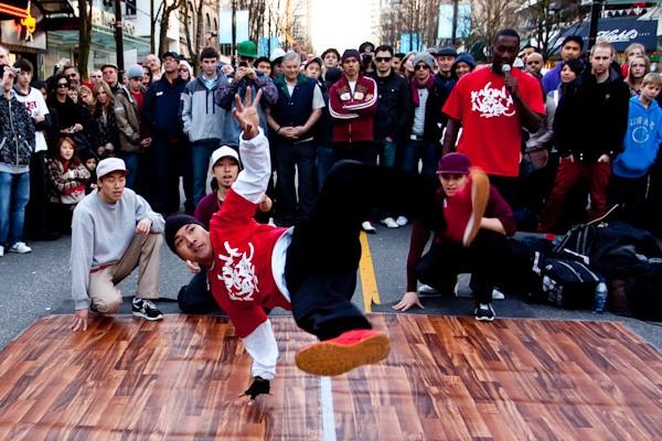 Игровой слот B-Boys Street: любителям танцев и азарта посвящается