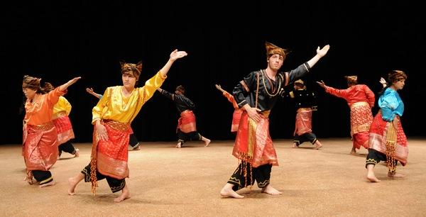 Брунейские танцы