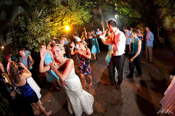 Задорный андалузийский танец Макарена