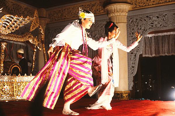 Танец принца и принцессы Дуо