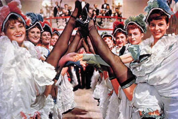 Танец с задиранием ног фото 24-369