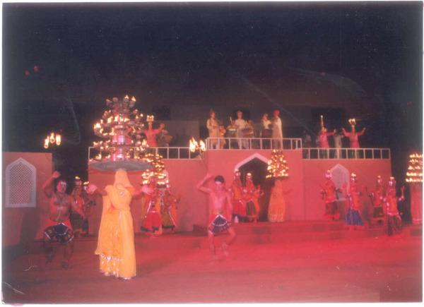 Чаркула - танец индийского Уттар-Прадеша