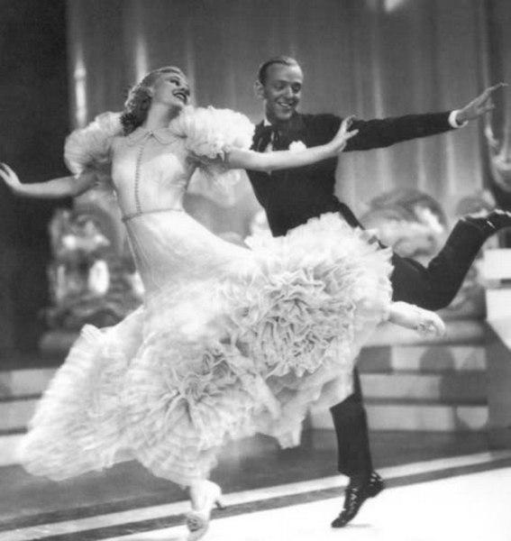 Чарльстон - американский танец с африканскими корнями.