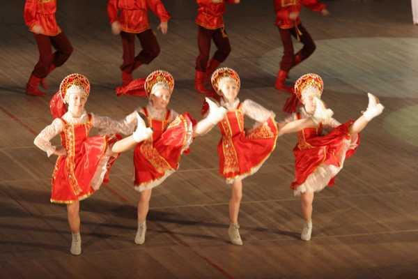 Дети танцуют - мир улыбается