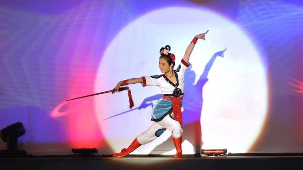 Китайский танец с мечами