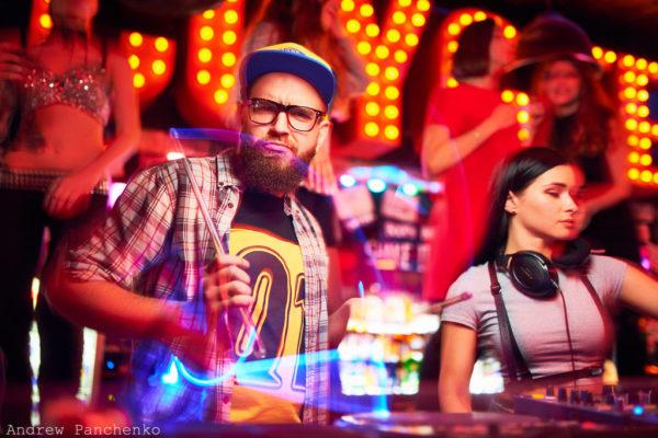Танцевальный слот Crazy Party: Поклонникам ночной жизни посвящается