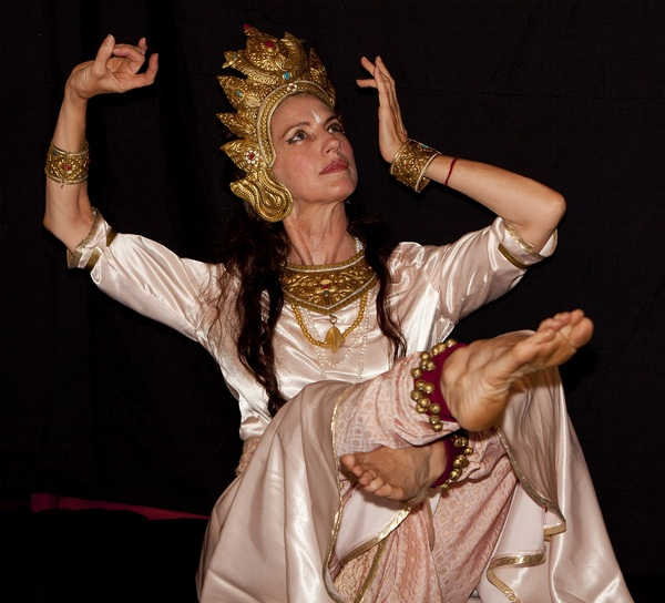 Танцору как аватар божества