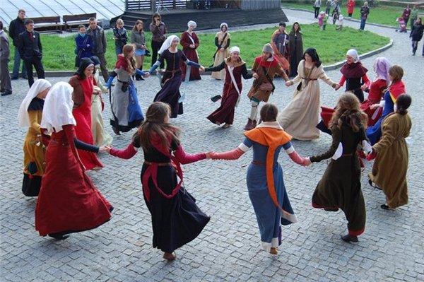 Танцы времён Средневековья