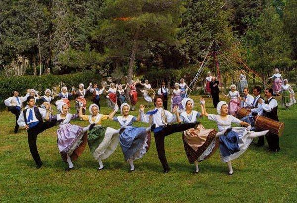 Фарандола — средневековый французский танец