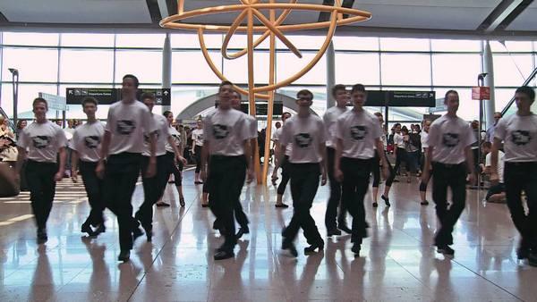 Ирландский флешмоб в аэропорту