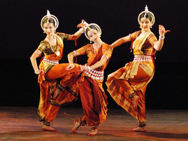Танцы в Индии