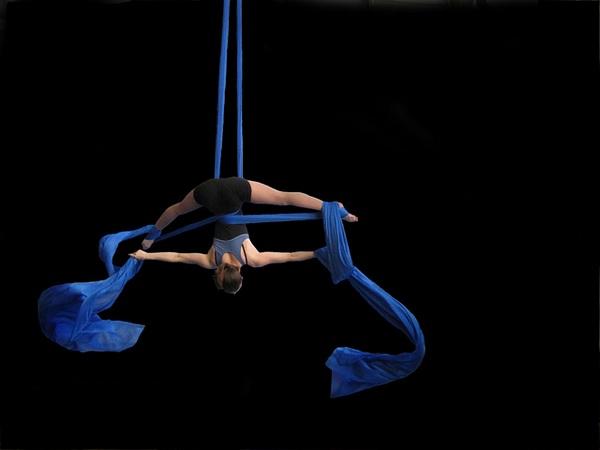 Гимнастика на полотнах: уроки доступны каждому