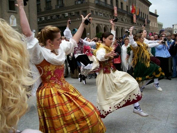 Хота - танец сродни театральной постановке