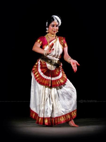 Мохиниаттам - бывший храмовый танец штата Керала