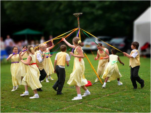 Танец майского дерева