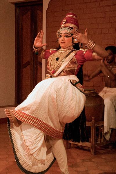 Танец является неотъемлемым элементом нангьяркутту