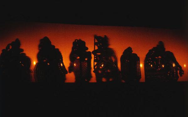 Толпавакутху исполняется несколькими кукловодами